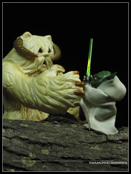 Yoda fights a wampa