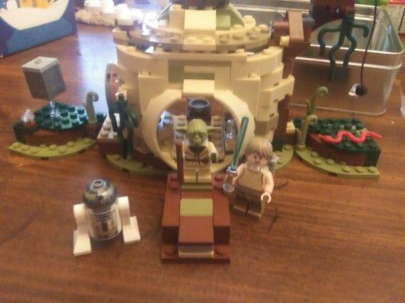 building LEGO Yoda's Hut.