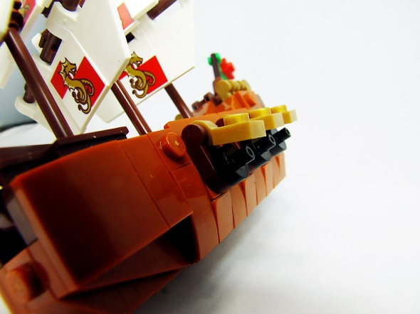 LEGO Shipsdie view close up of cannons.