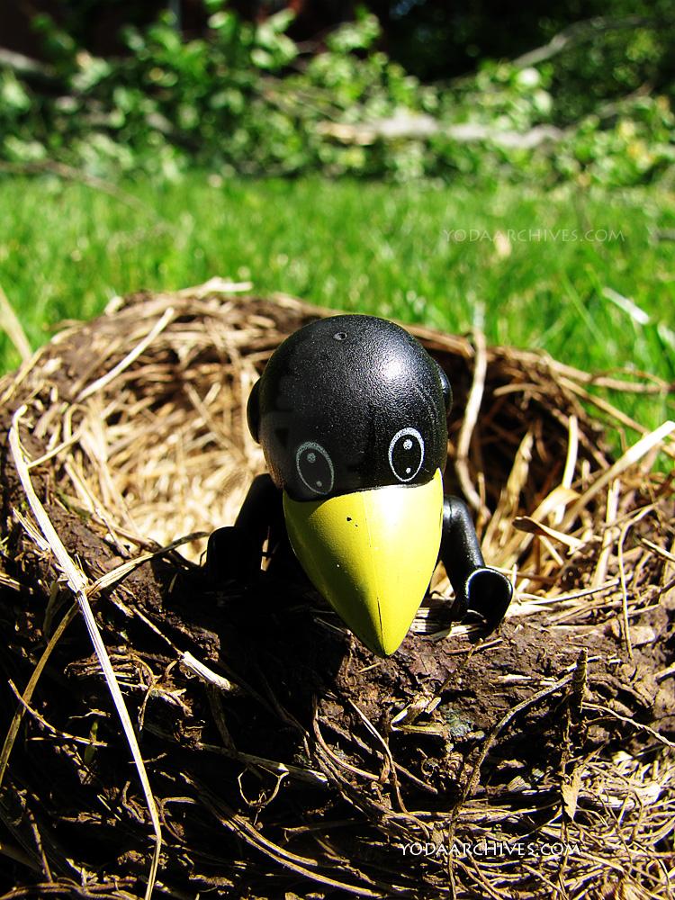 LEGO Fabuland  Crow in realbird nest.