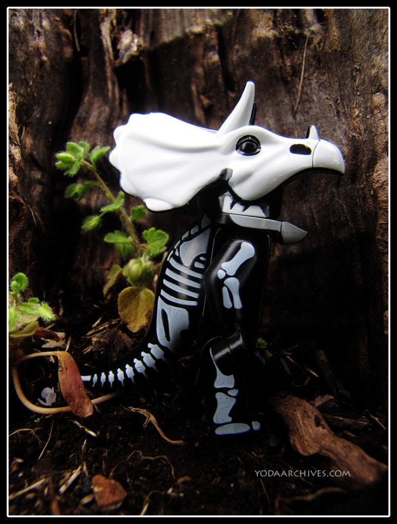 lego skeleton triceratops mini figure